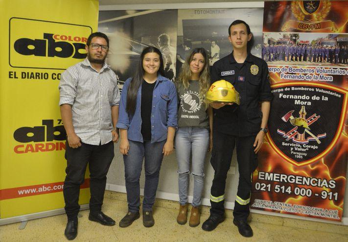 Fabio Flores, Andrea Adorno, Thania Ydoyaga y Francisco Candia (de izq. a der.), coordinadores de la colecta.