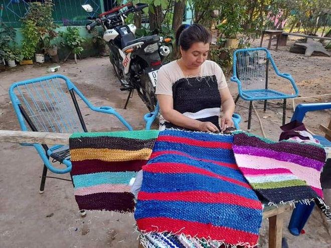Luz Griselda Ocampos preparando sus productos para la exposicion del proximo 29 de julio del 2021