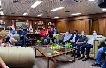 Autoridades se reunieron con representantes de las empresas transportistas. Las líneas internas de Asunción son 1, 3, 6, 9, 13 De la Conquista, 13 El Conquistador, 16-2, 37-B y 37-C.