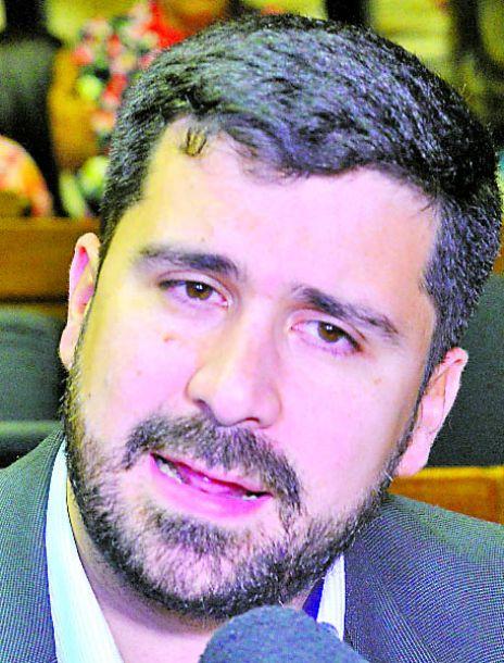 Villarejo no descarta ser intendentable de Asunción - Política - ABC Color