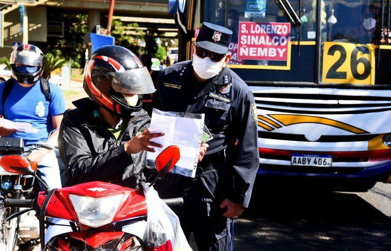 Riguroso control policial hubo sobre la avenida Mariscal López y Madame Lynch, en la capital.