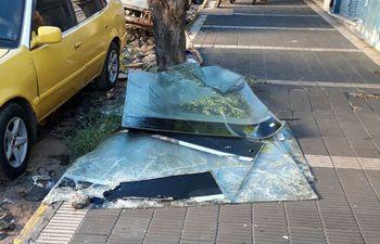 parabrisas-roto-64557000000-1712145.jpg