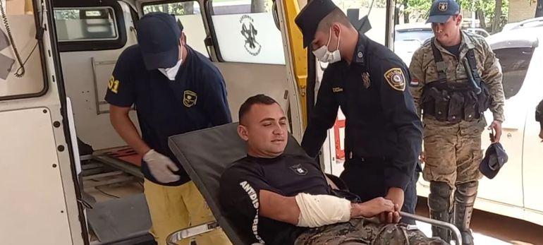 El agente policial fue trasladado al IPS de Coronel Oviedo.