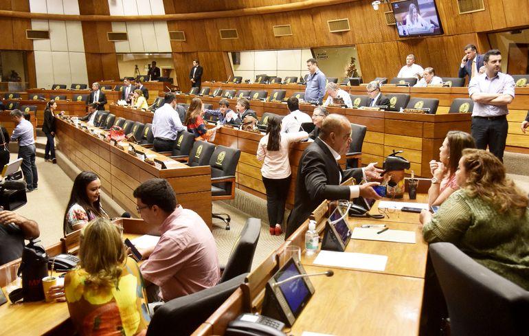 Diputados de la oposición y algunos colorados ayer no pudieron sesionar por falta de quorum.