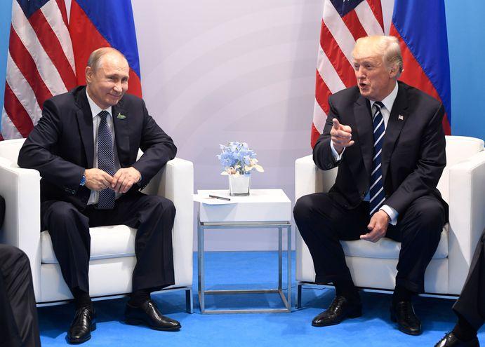 El presidente de EE.UU., Donald Trump y el mandatario ruso, Vladimir Putin.