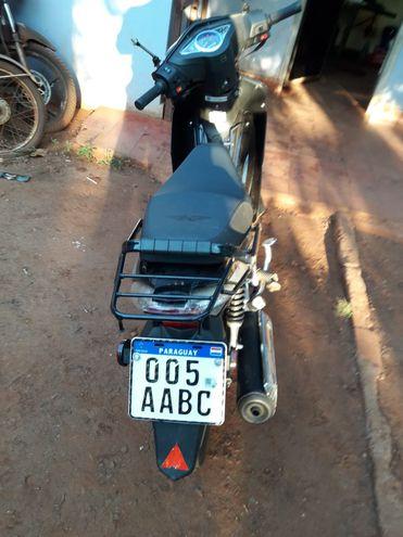 La motociclista en que se desplazaba en joven accidentado.