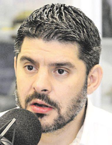 Óscar Rodríguez, intendente.