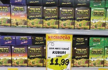 En grandes cadenas de Brasil, se puede comprar Yerba Mate Kurupí.