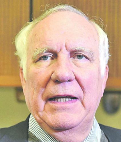 """Miguel Abdón Saguier, exsenador del PLRA, criticó la postura de los diputados que """"salvaron"""" a tres de sus colegas."""