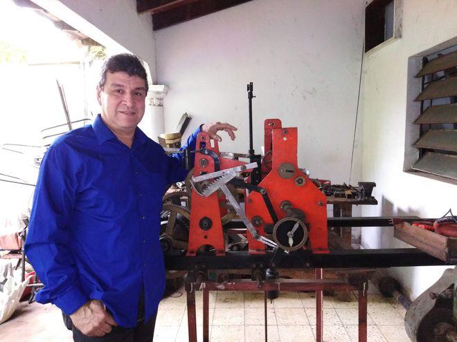 Blas Enrique Ramírez, relojero de torres.