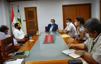 El encuentro se desarrolló en el Retorado de la UNE, entre autoridades de ambas instituciones.