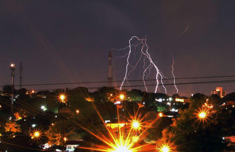 Se esperan tormentas desde hoy hasta el fin de semana, según Meteorología. (Foto ilustrativa).
