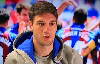Nikola Vukcevic en una entrevista con la prensa de su club.