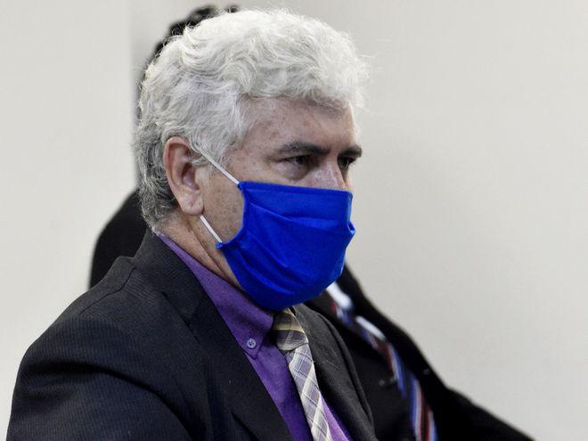 El abogado Víctor Mujica representa a Soares y Guachiré.