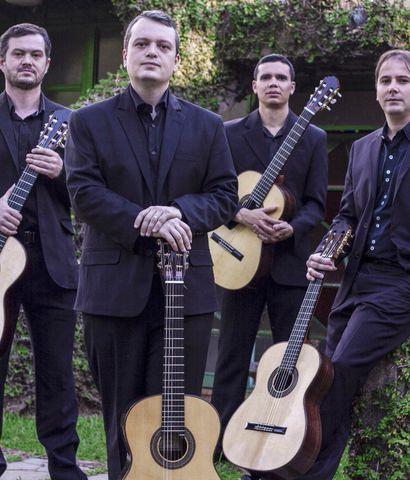 Los cuatro guitarristas brasileños que conforman el Quarteto Toccata.