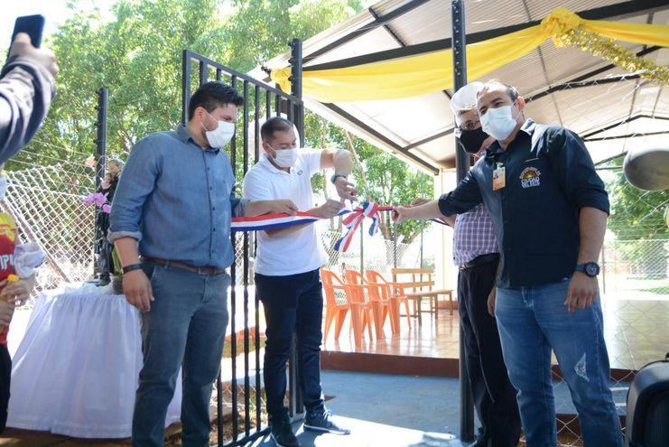 El intendente Miguel Prieto encabezó la inauguración del nuevo dispensario.