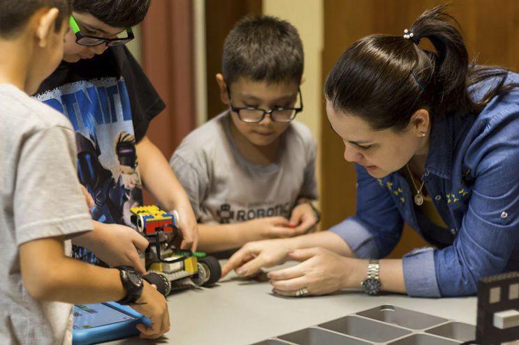 Las clases de Robótica son una de las opciones para las vacaciones de invierno.