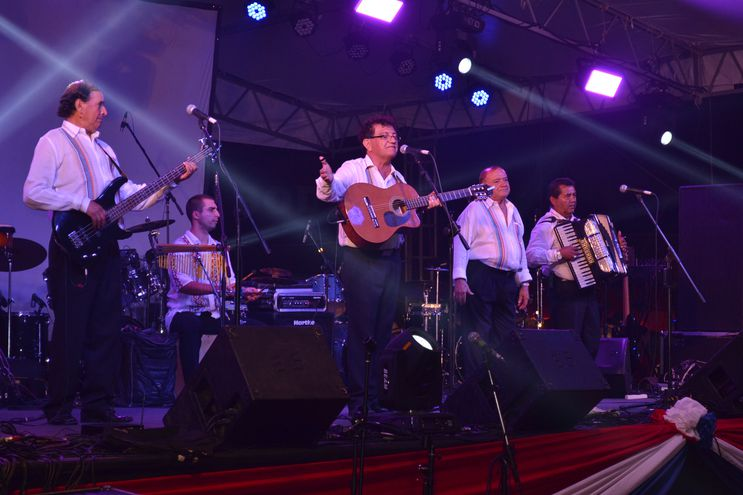 Néstor Damián Girett y los Misioneros será una de las agrupaciones que homenajeará a la ciudad de Pilar desde el viernes.
