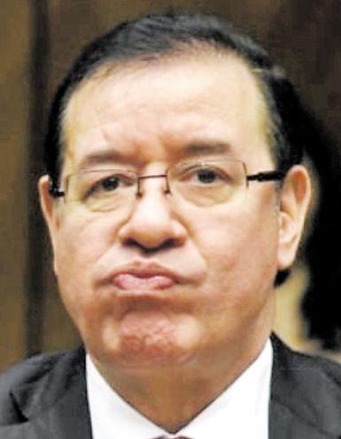 Miguel Cuevas, diputado abdista por Paraguarí, procesado por supuesto enriquecimiento ilícito y declaración falsa.