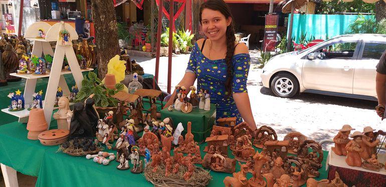 Bellos pesebres son ofertados a bajos precios en Areguá.