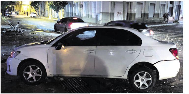 Este es uno de los cincuenta vehículos que fueron afectados por infiltrados.