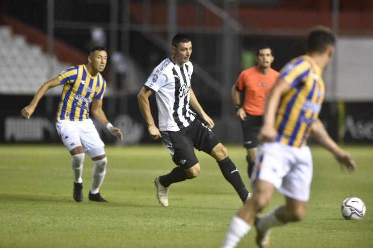 En el juego entre Libertad y Luqueño tuvo una jugada en la que se tuvo que recurrir al VAR