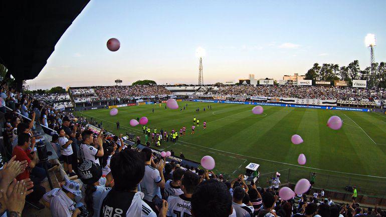 Olimpia, Para Uno, estadio Manuel Ferreira.