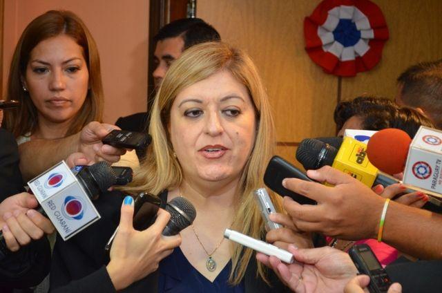 Sandra Quiñónez, fiscal general.