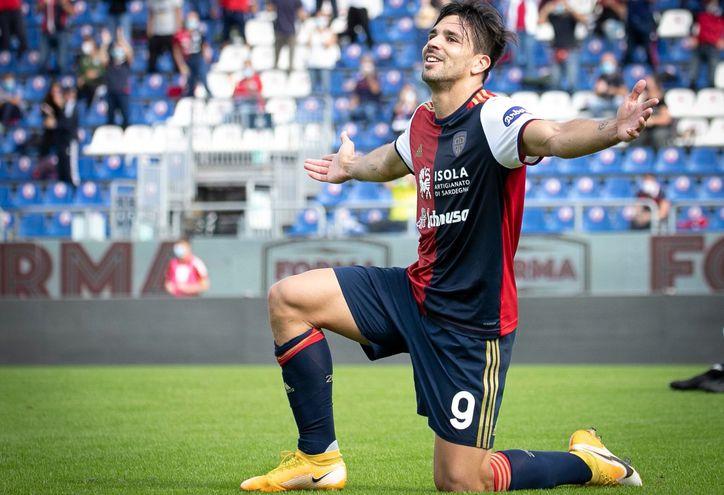 Gio Simeone colaboró para el triunfo del Cagliari.