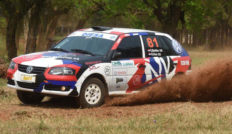 Enrique Benítez y Nelson Vera lograron la victoria en la Clase RC4C, con un VW Gol.