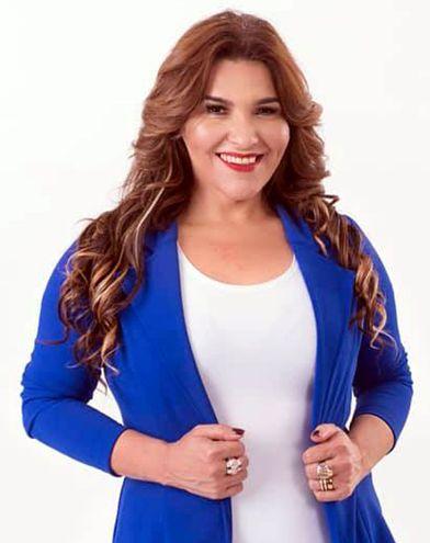 Raquel Sosa, asesora de imagen y coach, habla acerca de cómo vestir al presentar una tesis.
