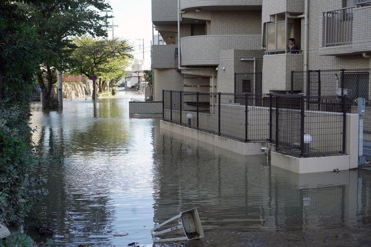 Una zona inundada en Kawasaki, cerca de Tokio.