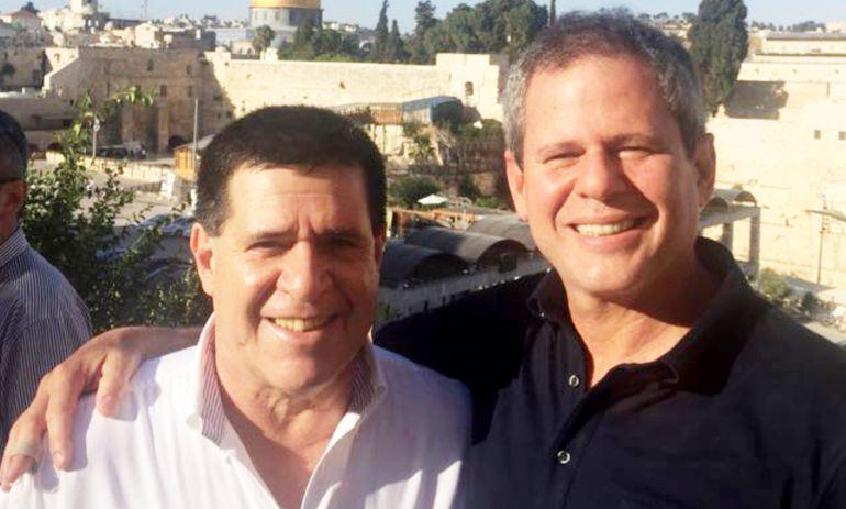 Horacio Cartes y su amigo Darío Messer en uno de los viajes oficiales que realizaron a Israel.