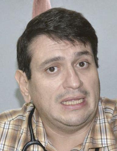 El doctor Carlos Pallarolas no atendió ayer a las llamadas de ABC, por lo que gente de su equipo confirmó su renuncia.