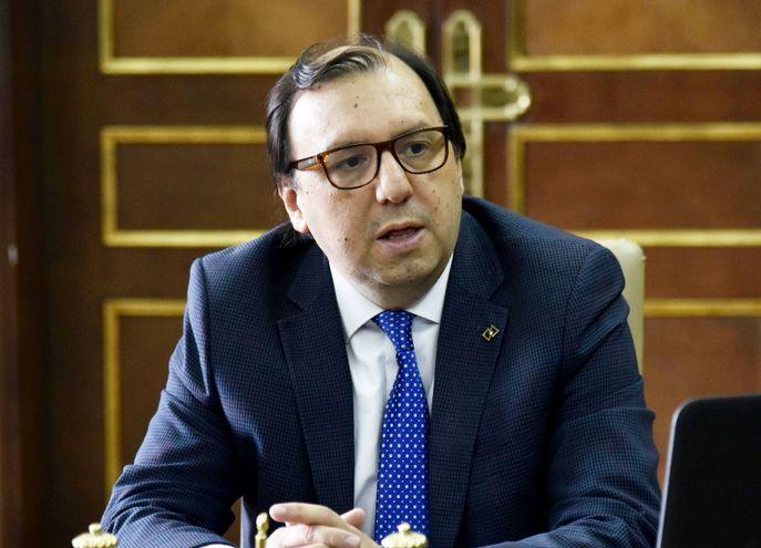 El Lic. Carlos Florentín, nuevo titular de la banca estatal, admitió falencias y urgentes reformas para mejorar  competitividad.