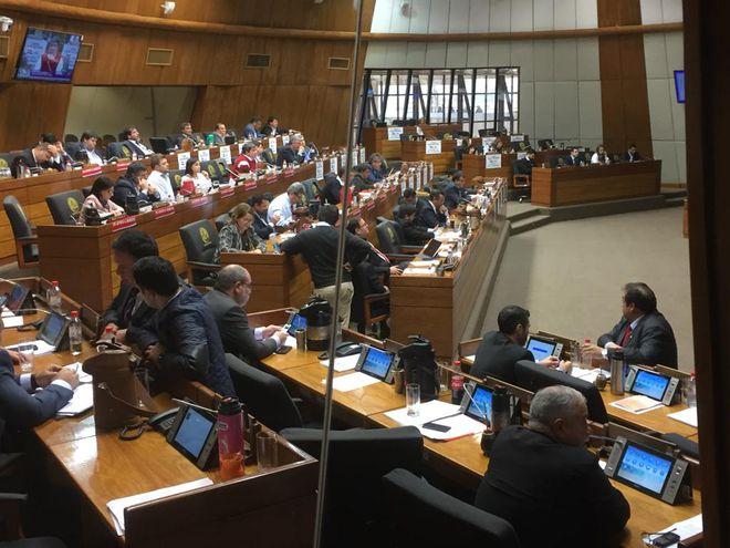 Sesión extra en la Cámara de Diputados, donde se debatió el juicio político a tres miembros del Ejecutivo.