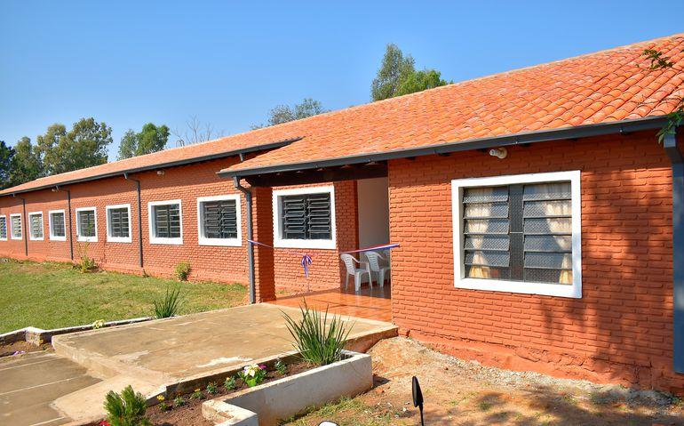 Ocho aulas refaccionadas en su totalidad con la renovación del techo, piso y ventanas.