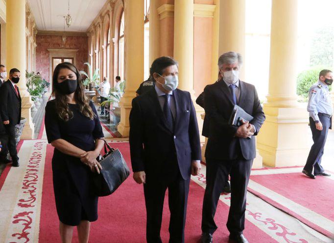 Como lo hacen frecuentemente, los ministros del Interior, de Justicia y la Senad se reunieron con Mario Abdo Benítez.