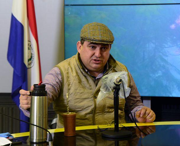 Intendente de Encarnación, Luis Yd, en estudios de ABC  730 AM.