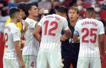 Sevilla derrotó al Valencia de Omar Alderete.