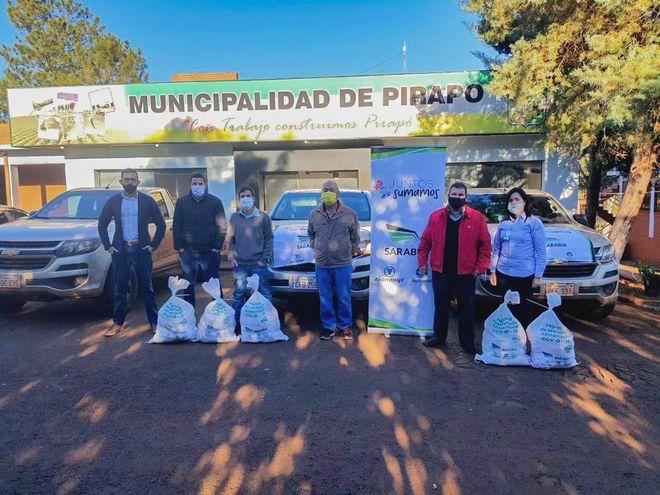 """Entrega de los kits de alimentos de la campaña """"Juntos sumamos"""" a la Municipalidad de Pirapo mediante colaboradores del Silo Bella Vista de Agrofértil."""