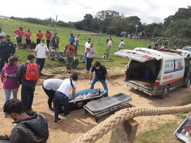 El cuerpo hallado en el río Paraguay podría tratarse de uno de los dos pescadores desaparecidos el pasado martes.