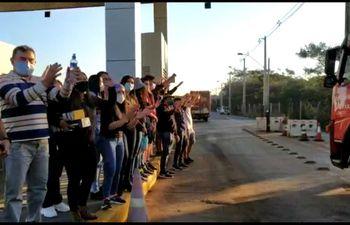 Manifestantes en Ypacaraí esta tarde.