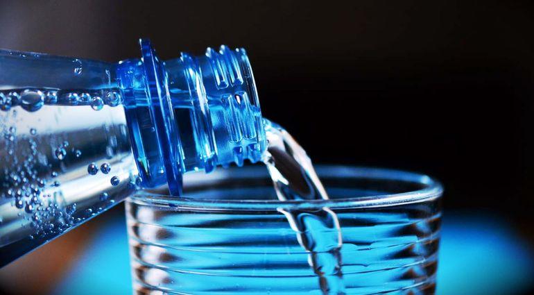 Una mucosa seca e irritada facilita el ingreso del virus, mientras que una mucosa sana e hidratada será la primera barrera física que el virus tendrá por delante. Foto: Pixabay.