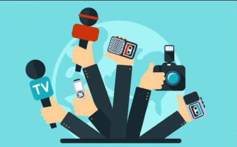 Los medios de comunicación impresos, digitales y las redes sociales están a la orden del día en la pandemia del Covid-19, aplicando al máximo sus funciones esenciales como la vigilancia del poder, entretener e informar, en la semana en que celebramos el  Día del Periodista.