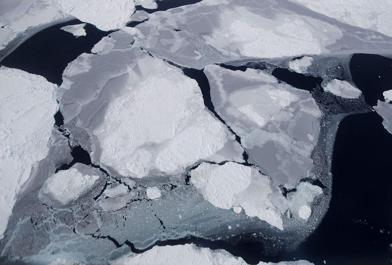 Hielo antártico en una imagen tomada desde una aeronave de la NASA.