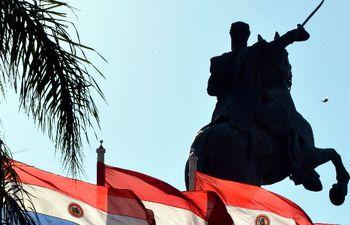 estatua del mariscal lópez