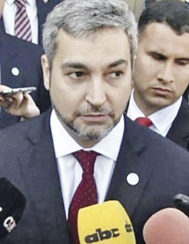Mario Abdo Benítez  analiza el veto total a la ley sancionada que redirecciona fondos de binacionales para Salud.
