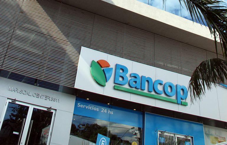 Bancop tiene la misión de apoyar el desarrollo sostenible del sector productivo en Paraguay y brindar servicios financieros a los diferentes sectores económicos.