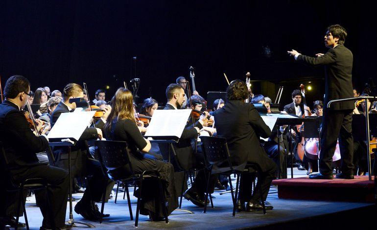 La Orquesta Sinfónica Nacional (OSN) dirigida por Luis Vera Resquín, es uno de los videos que se podrá disfrutar hoy.